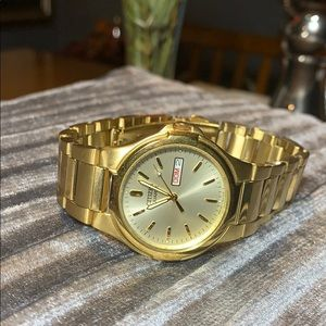 Gold plated men citizen watch